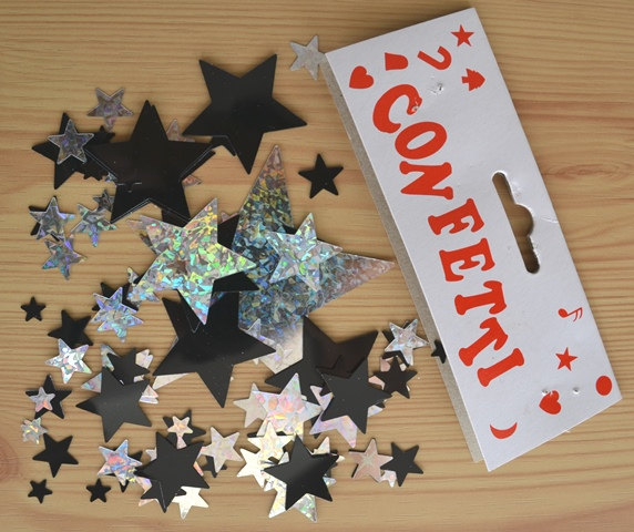 Star confetti table decor